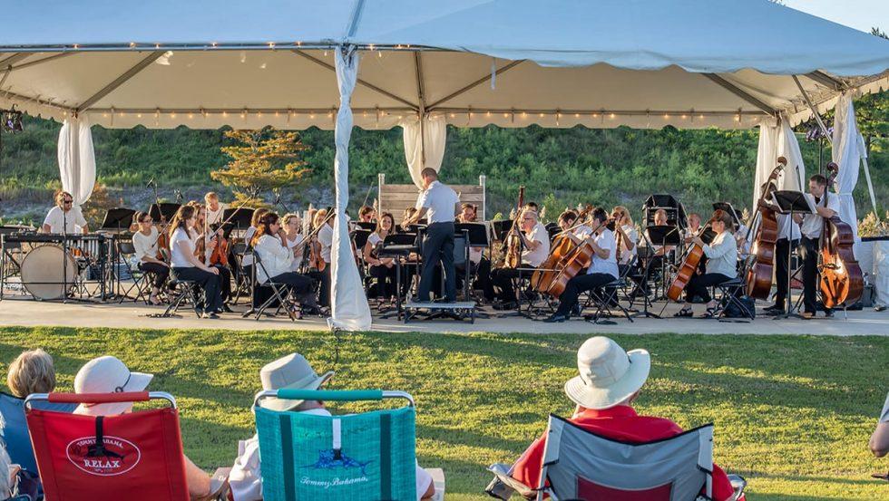 Residents Enjoy Water Music at Marina Park